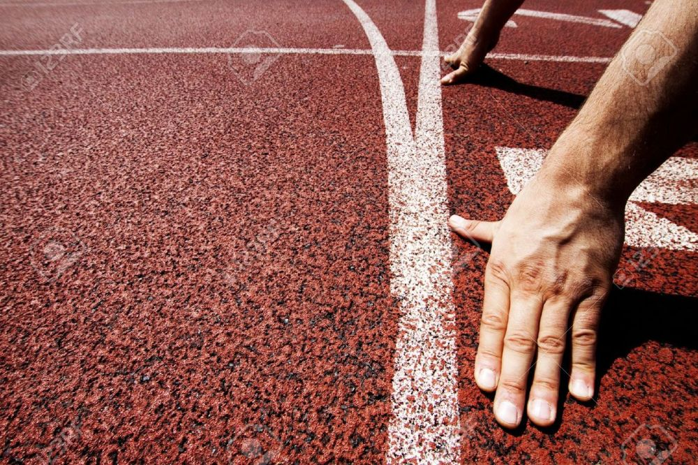 15694032-Hands-on-starting-line--Stock-Photo-athletics-start-race