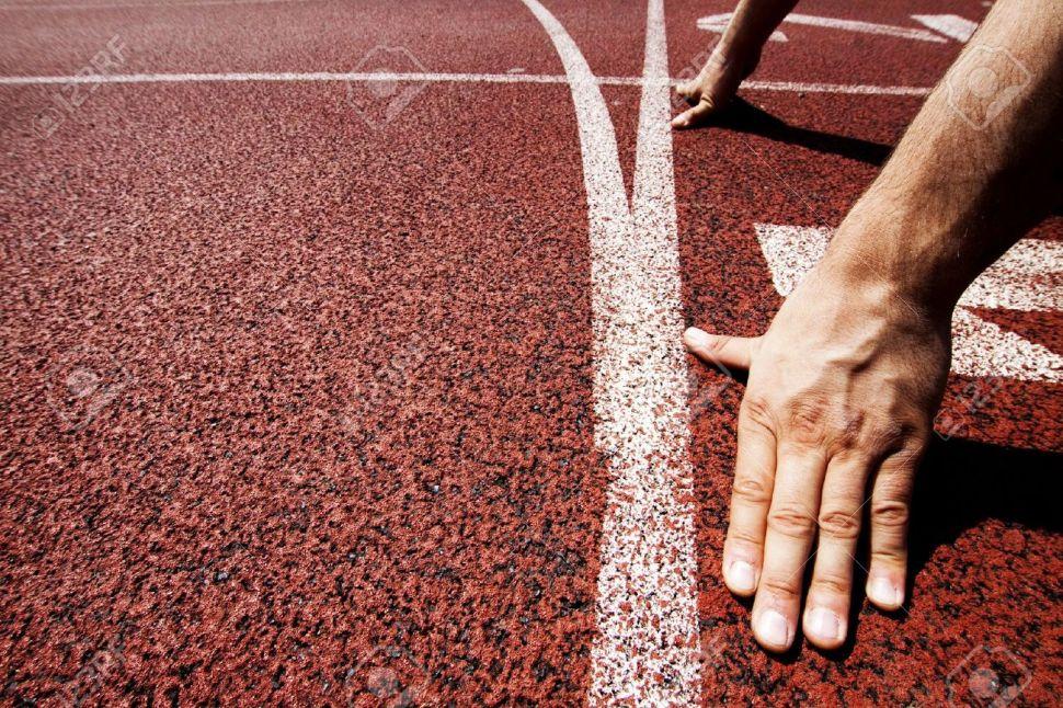 15694032-Hands-on-starting-line--Stock-Photo-athletics-start-race